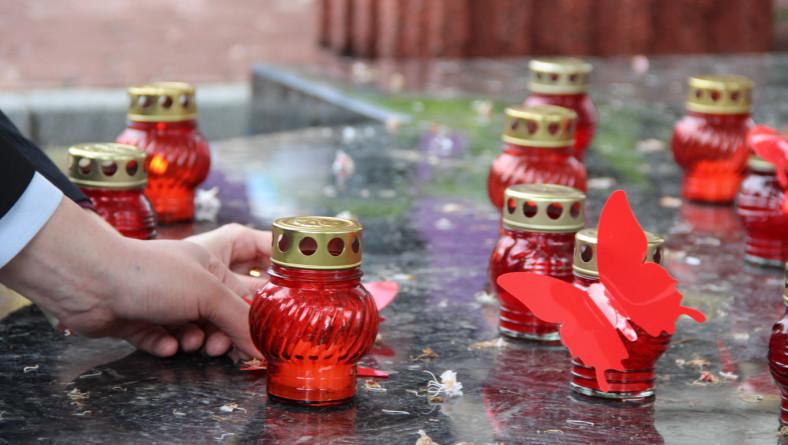 Украинцы почтили память людей, жизни которых забрал СПИД
