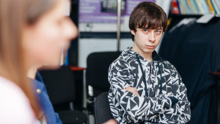 Як визначити чи Ваша дитина наркоман, і що робити, якщо припущення правильне