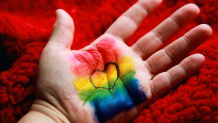 Як працювати з ЛГБТ.  Путівник для психологів та психотерапевтів