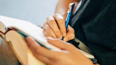 ЮНІСЕФ та ГО «Дівчата» запрошують учителів на методичний тренінг для проведення уроків «Здоров'я без сорому» (вересень-жовтень)